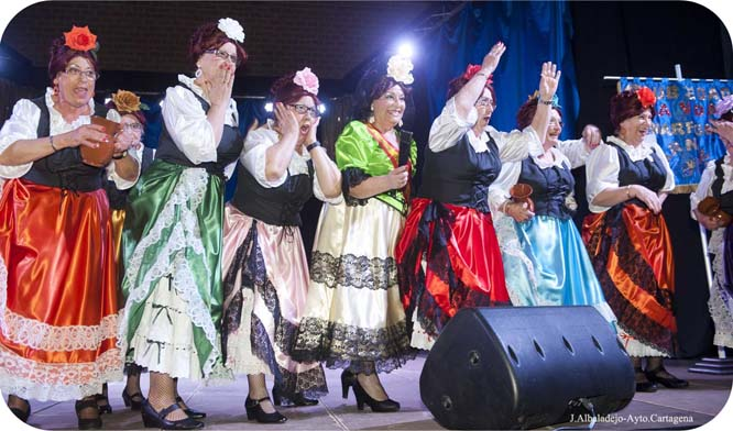 Los mayores disfrutaron de lo lindo con su Carnaval